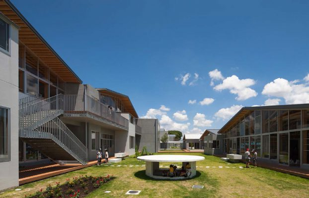 Yamaga-elementary-school-01
